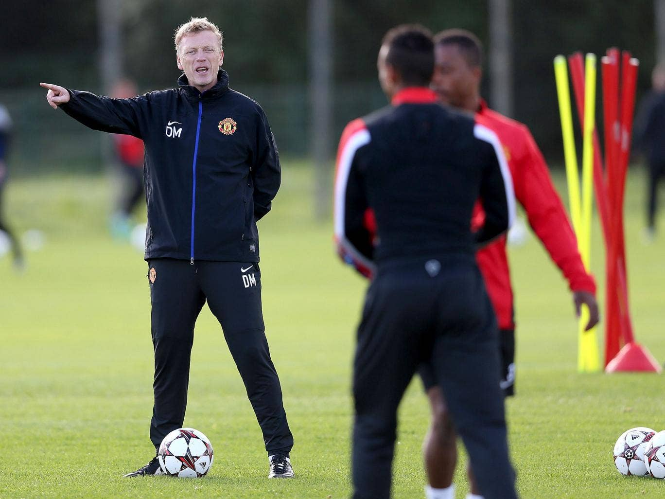 David Moyes oversees training with United