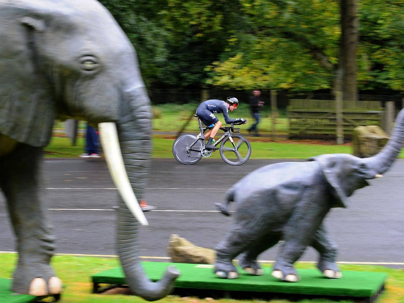 Bradley Wiggins enters Knowsley Safari Park on his way to winning the time trial