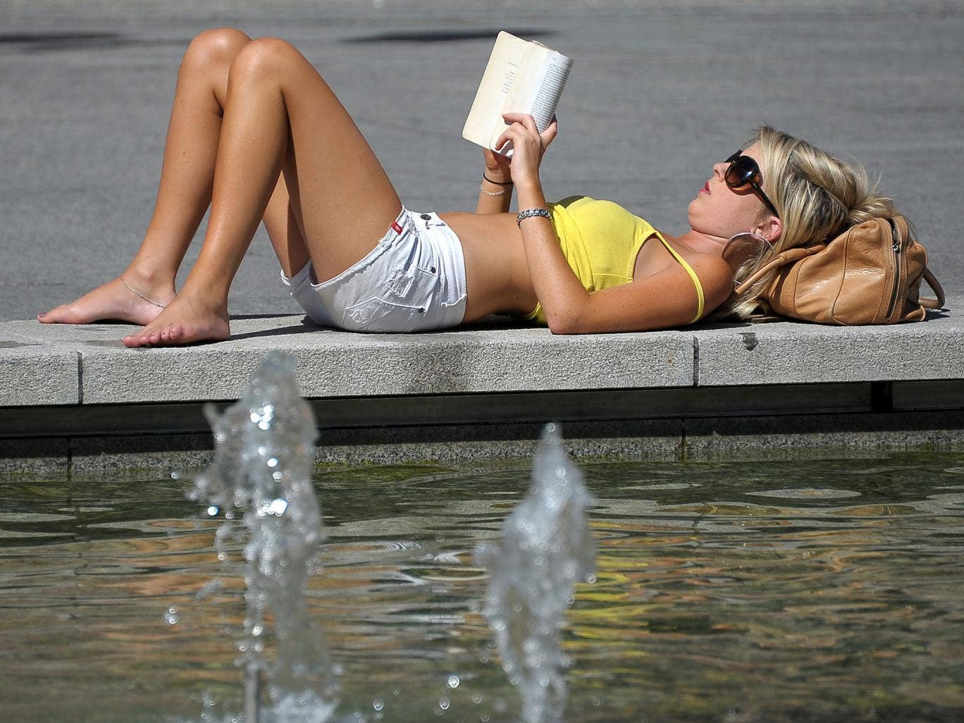 Light reading: Scientists think vitamin D from sun exposure may benefit health