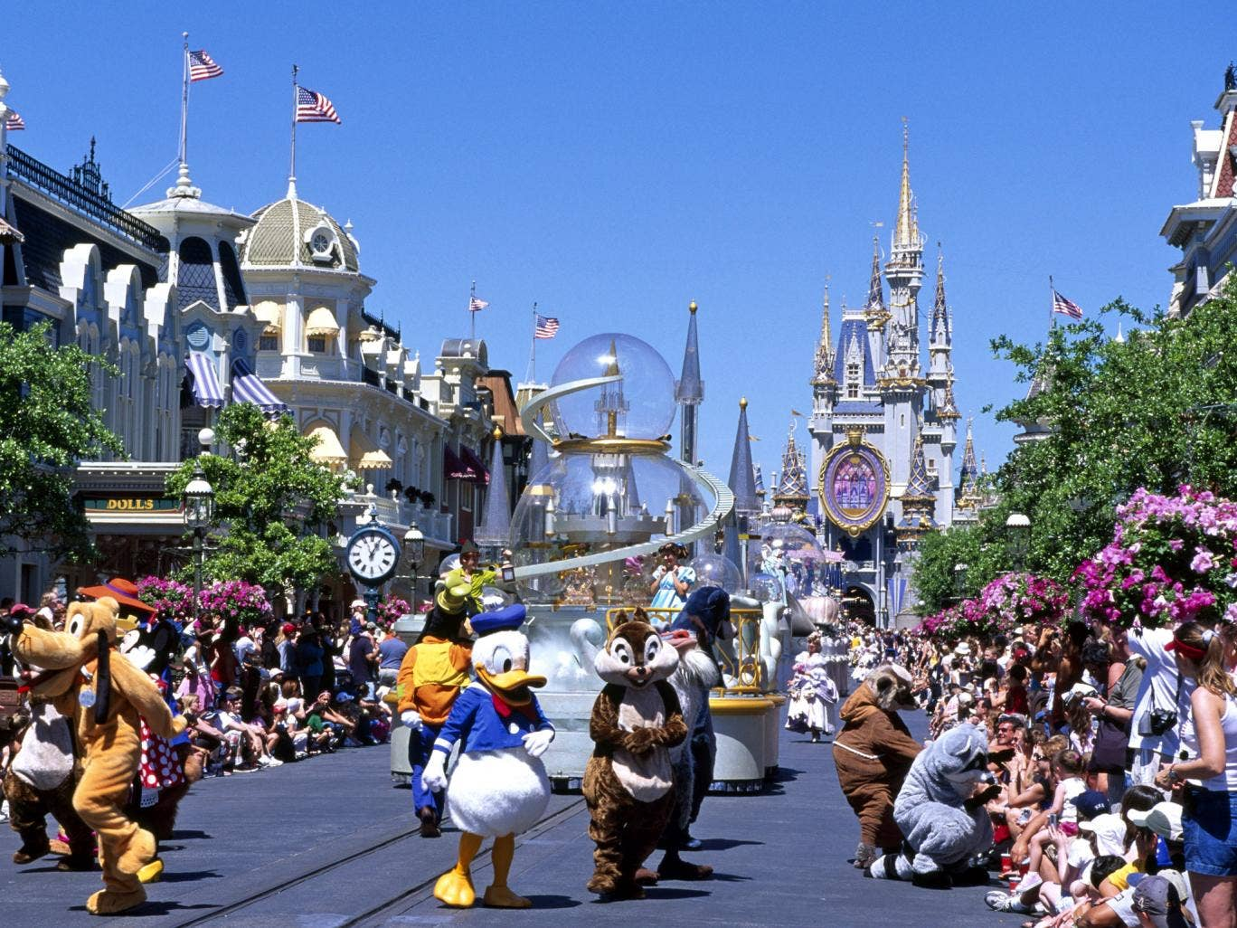 Disney used to allow disabled visitors quick access to rides and other attractions