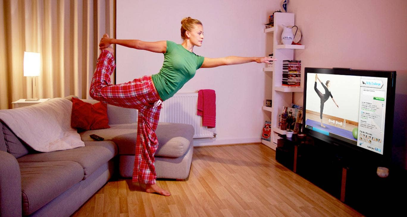 DIY exercise: an Instructor Live user takes a class from home with online guidance