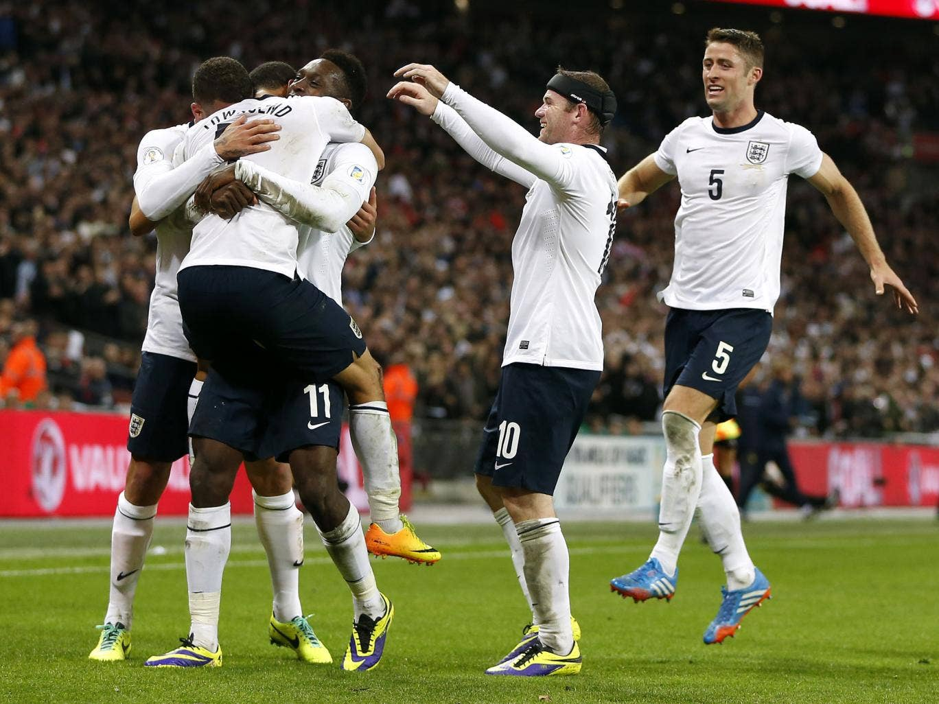 England players celebrate after Andros Townsend scored on his debut
