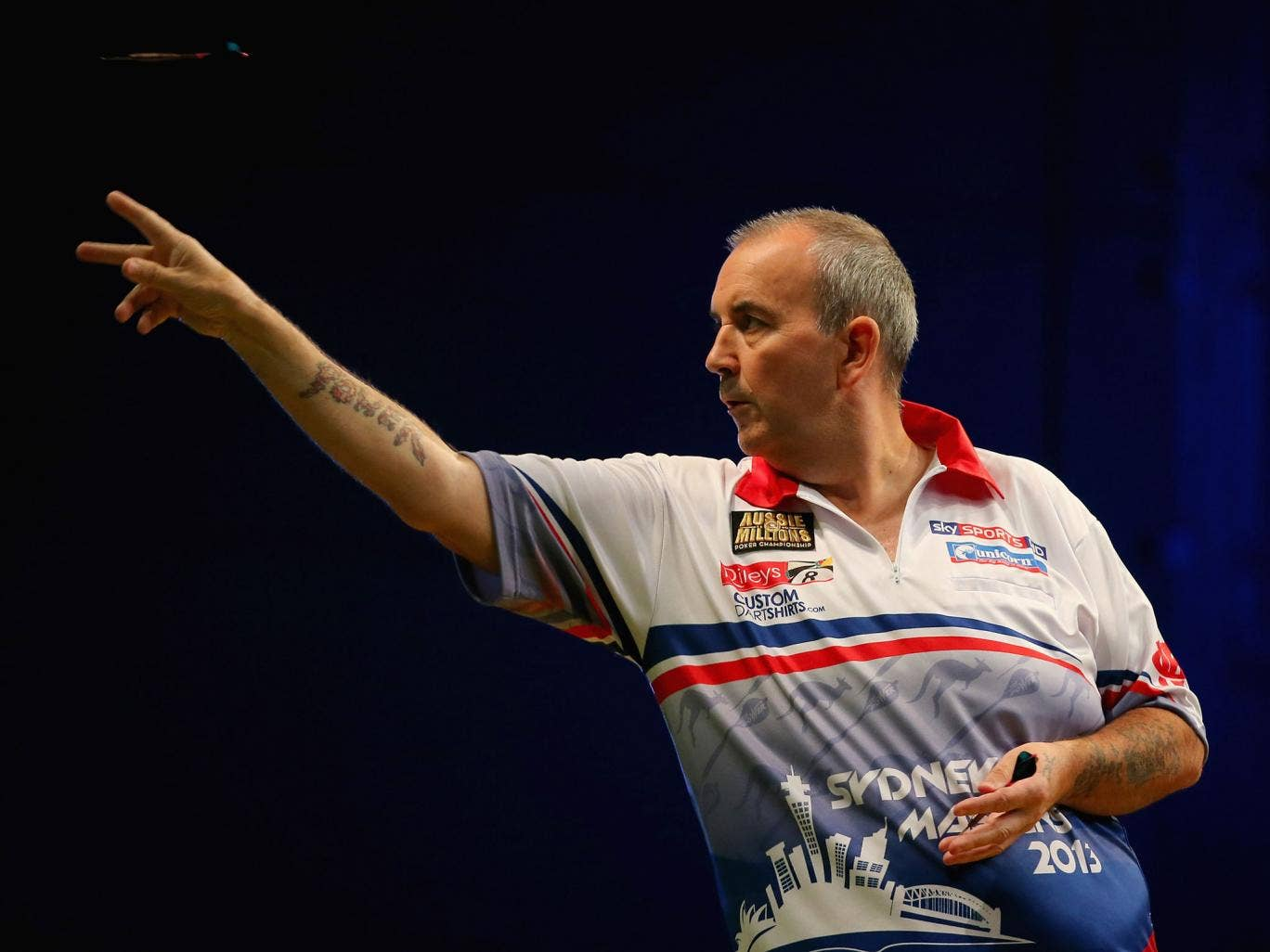 Phil Taylor crushed Dave Chisnall 6-0 in the World Darts Grand Prix