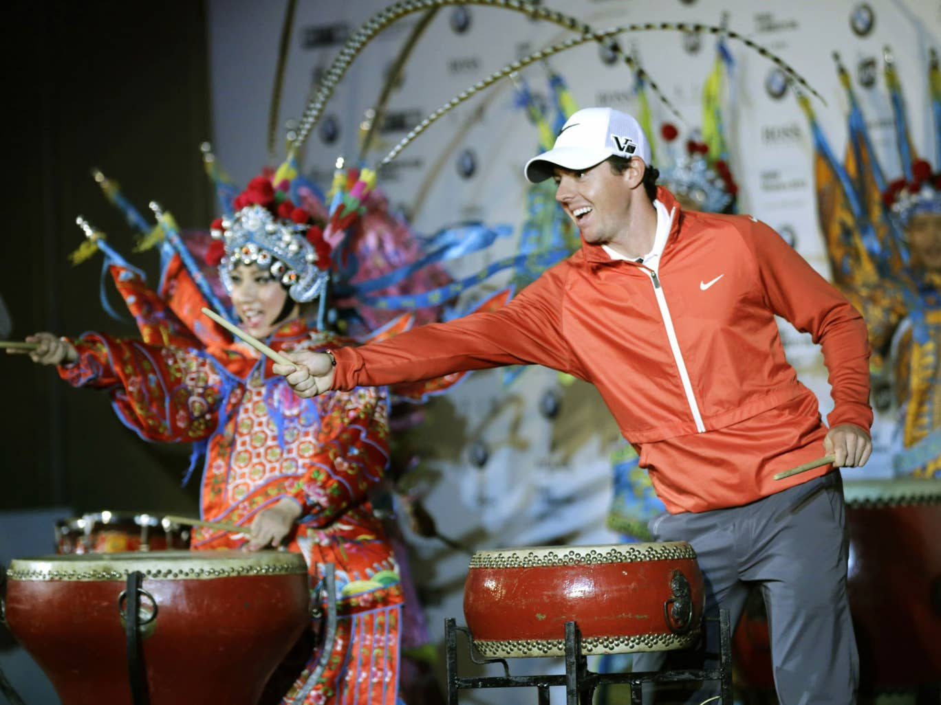 Rory McIlroy and the Beijing Opera drum up support for the BMW Masters