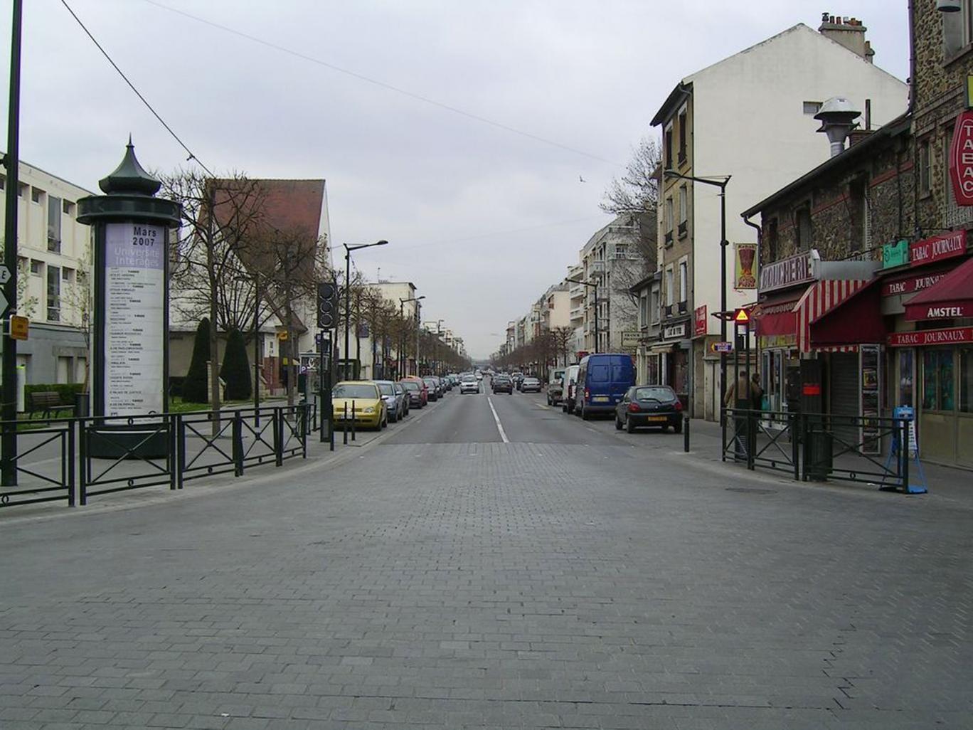 Avenue de la Resistance in an eastern suburb of Paris