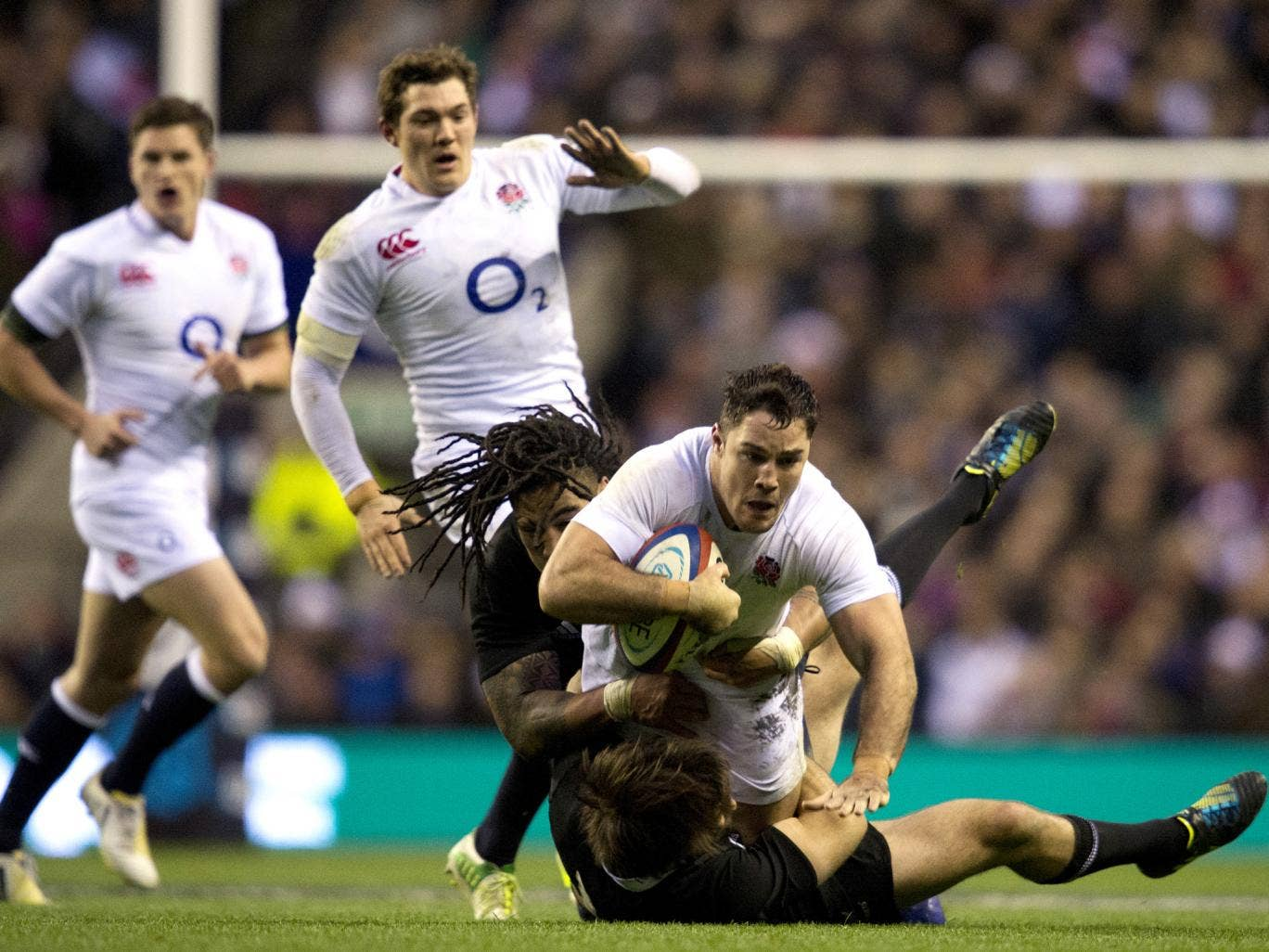 Brad Barritt in action for England against New Zealand at Twickenham in 2012