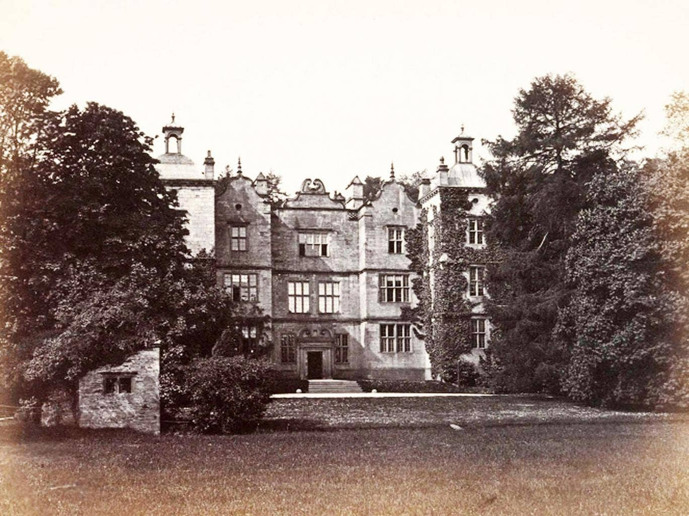 <p><strong>15. Plas Teg Mansion, Flintshire</strong></p> <p>Plas Teg, a Jacobean house near the the village of Pontblyddyn, Flintshire between Wrexham and Mold, is said to be one of Wales' most haunted buildings. One of its late owners was the infamous 'h