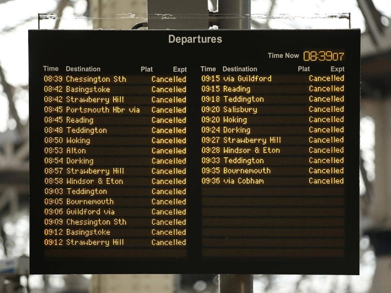 The House of Commons Transport Committee amended its hearing on transport's winter-resilience plans due to the storm
