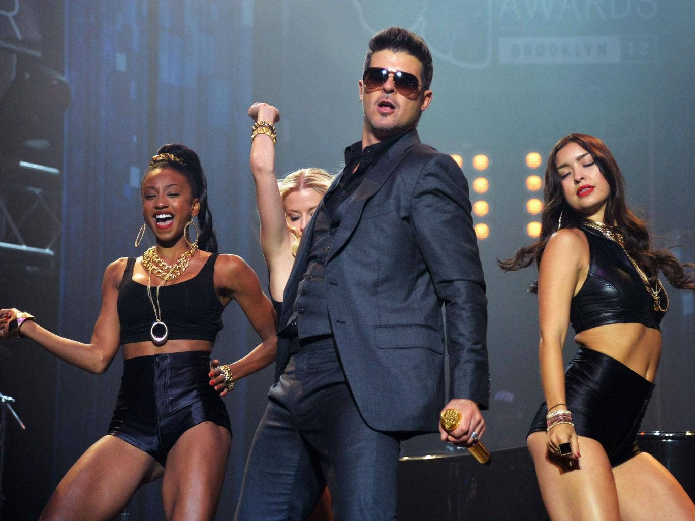 Robin Thicke performing Blurred Lines in New York
