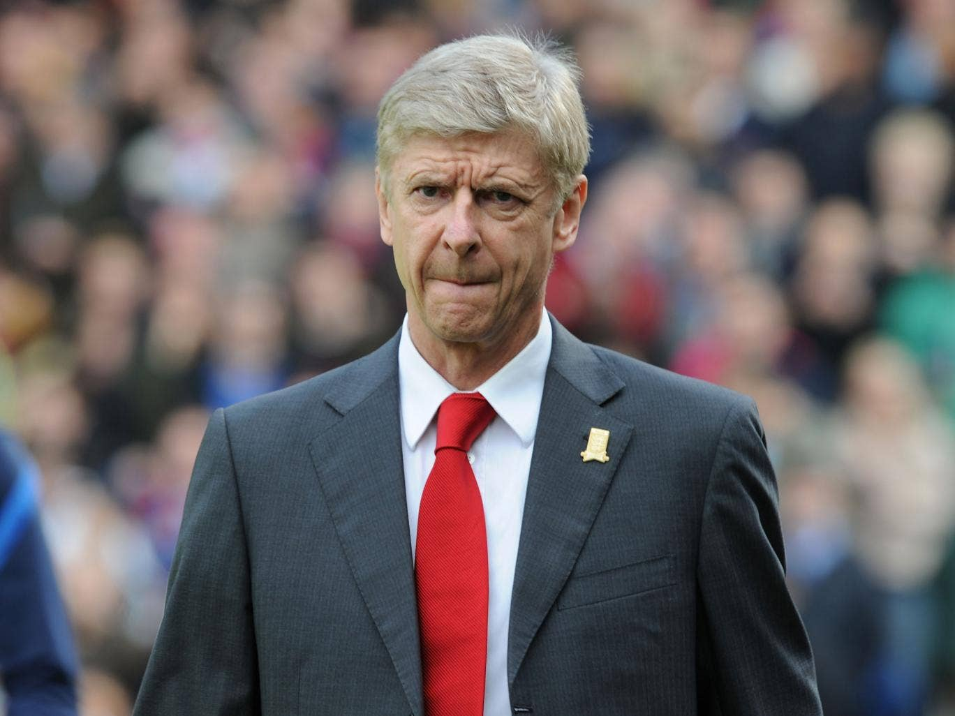 Arsene Wenger insists that he had no problems with signing Luis Suarez after failed summer pursuit