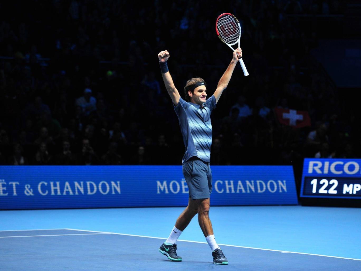 Roger Federer celebrates victory over Del Potro