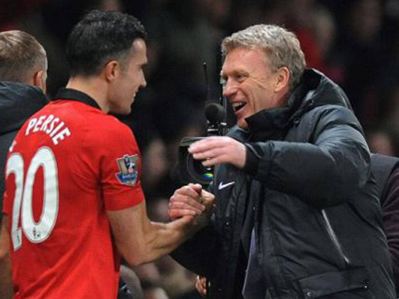 David Moyes greets the goalscorer Robin van Persie at the end of the game