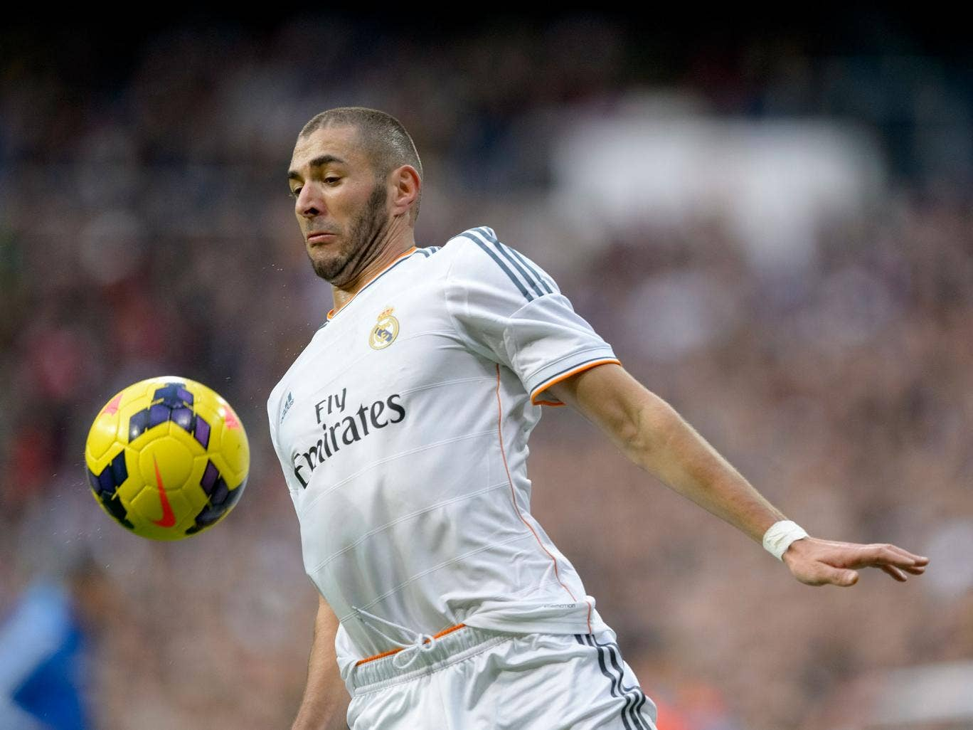 Arsenal could revive their interest in Real Madrid striker Karim Benzema in January
