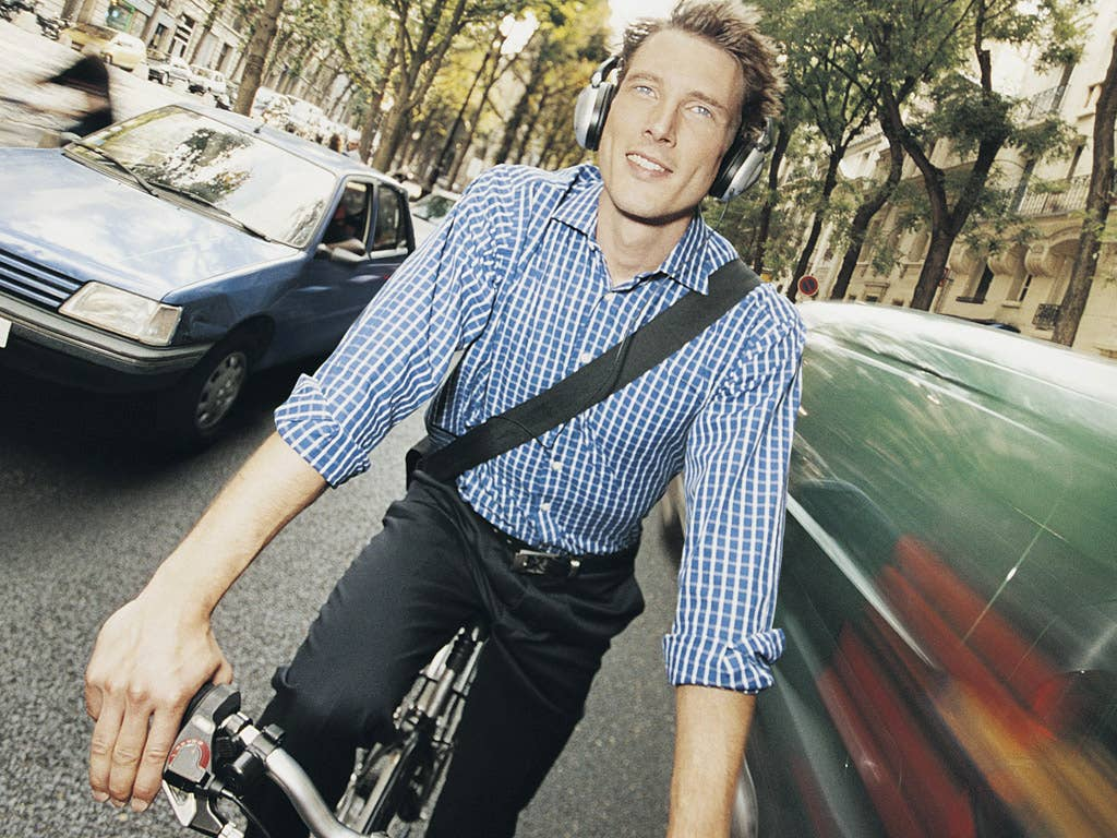 Cyclists listening to music are at greater risk of injury, according to the study