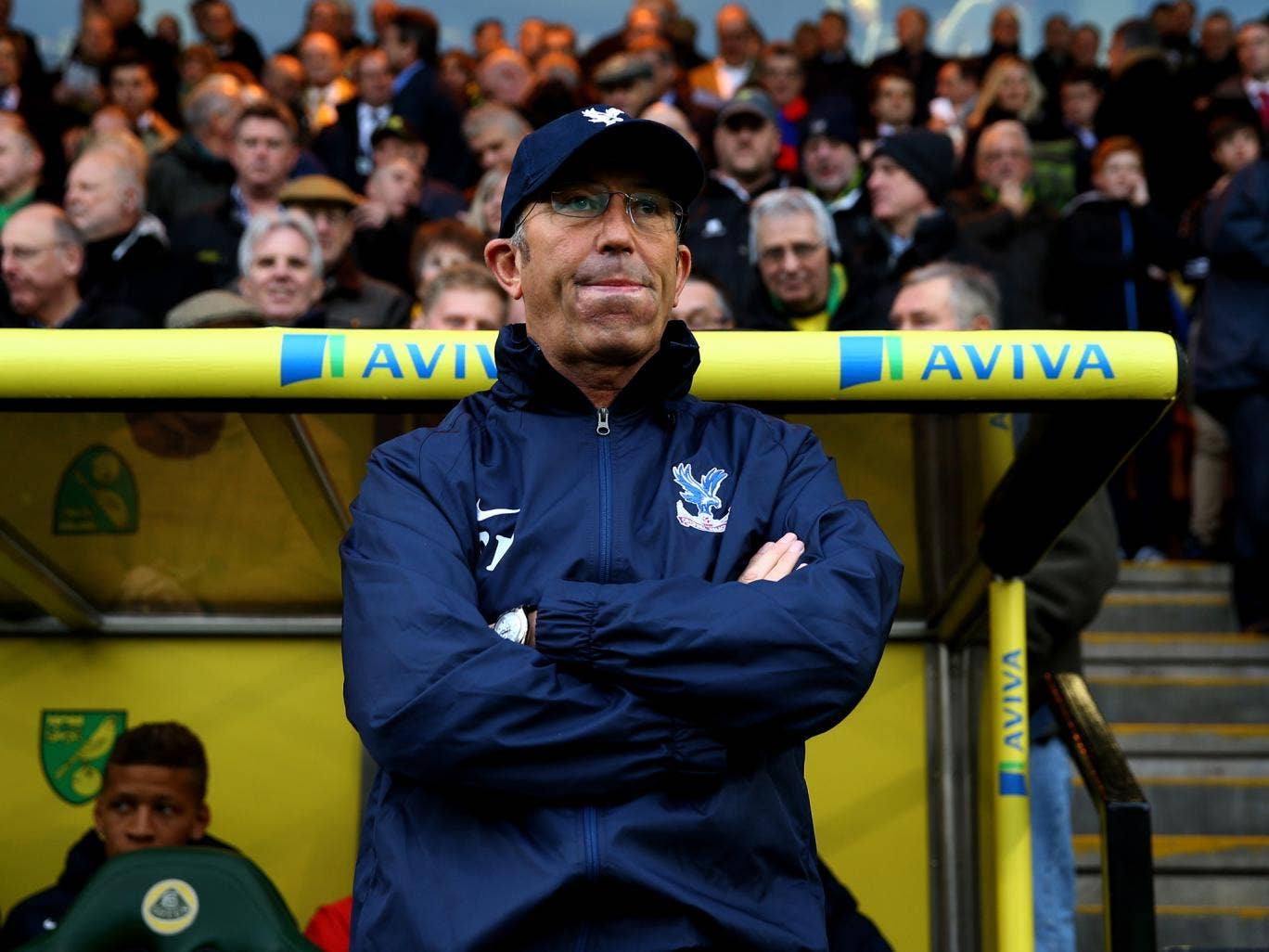 Crystal Palace manager Tony Pulis has called for fans to lift the team when they take on West Ham on Wednesday