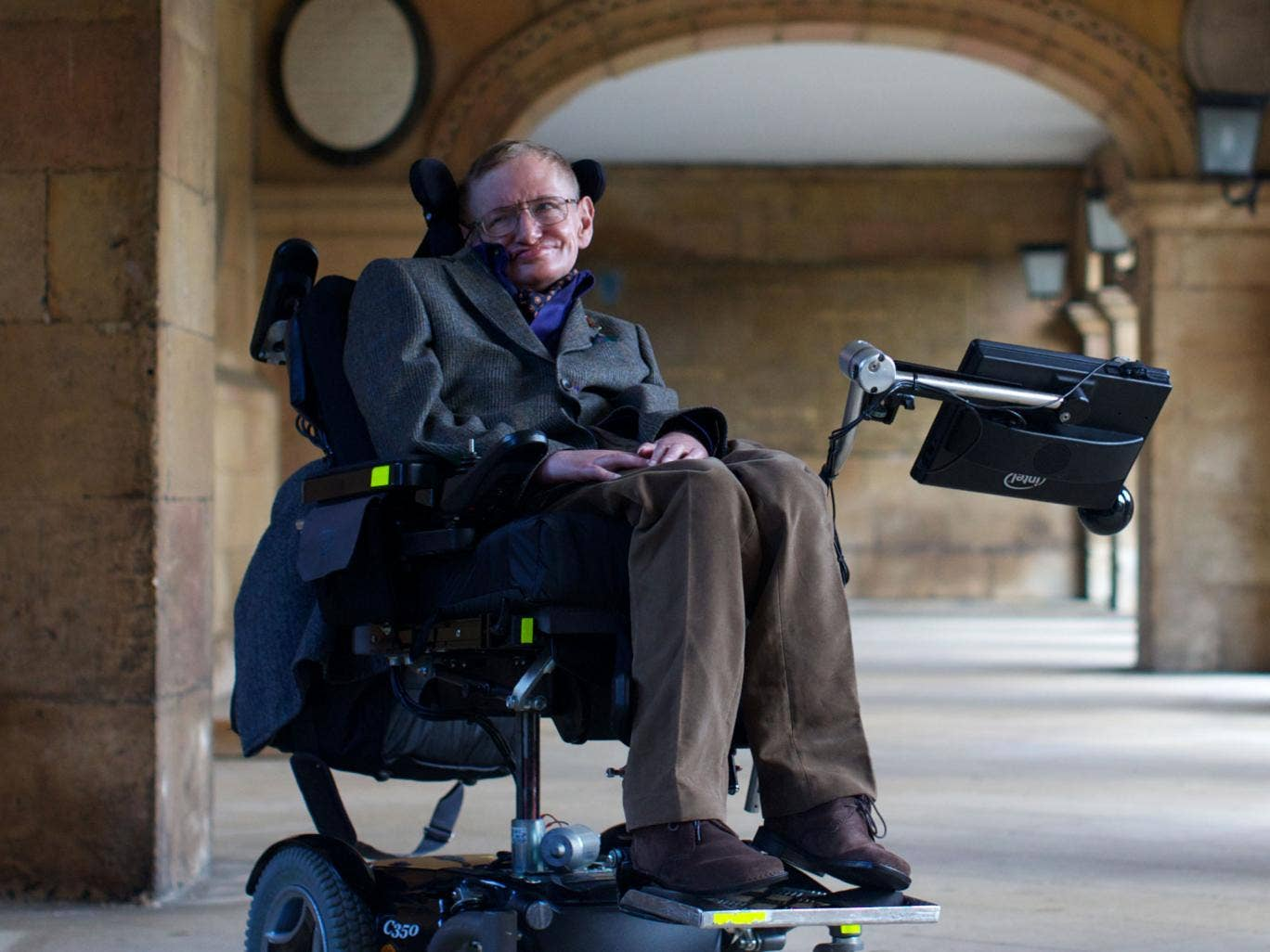 Hawking: 'The NHS must be preserved from commercial interests who want to privatise it'