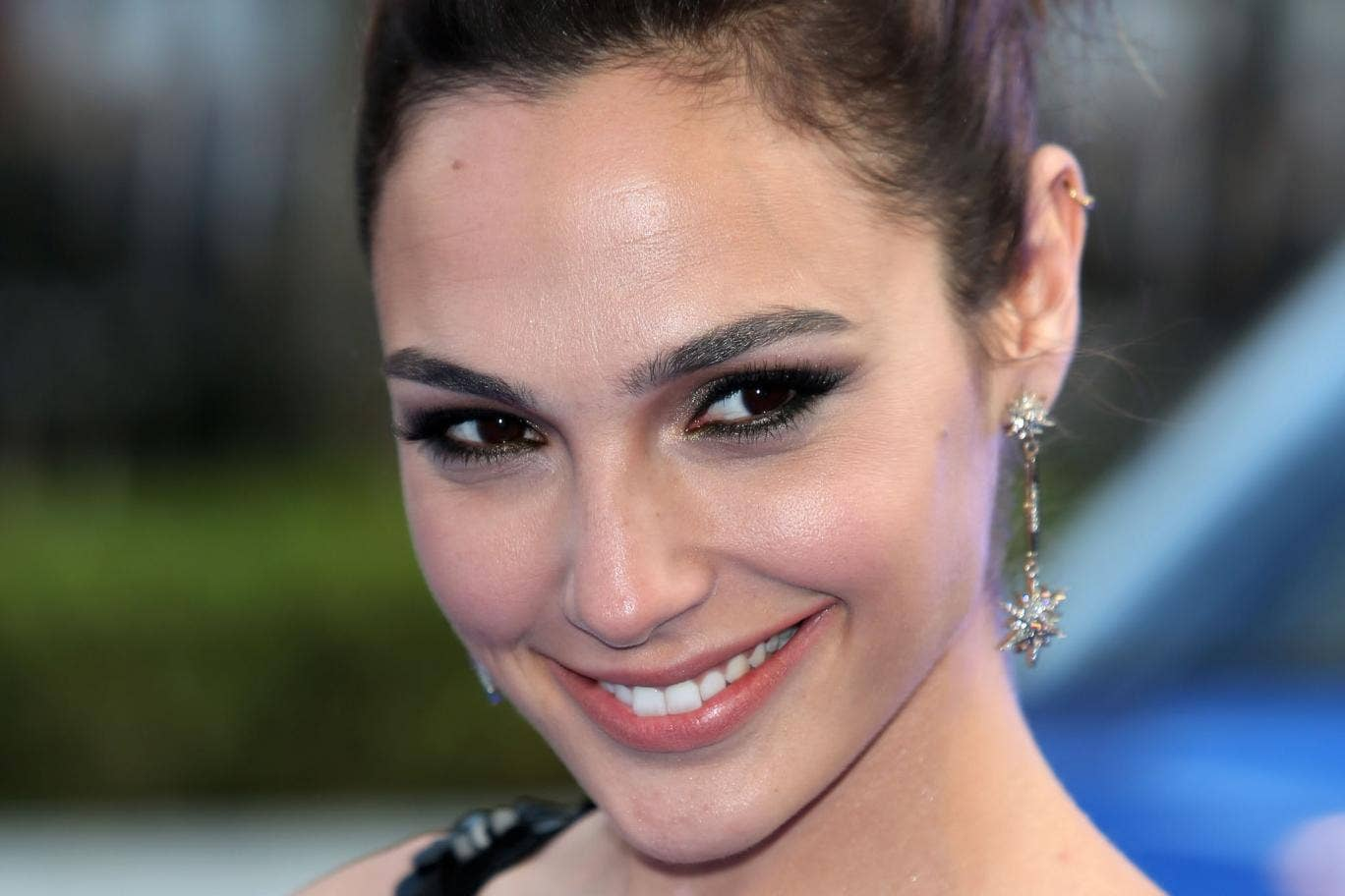 Israeli-born actress Gal Gadot has been cast to play Wonder Woman