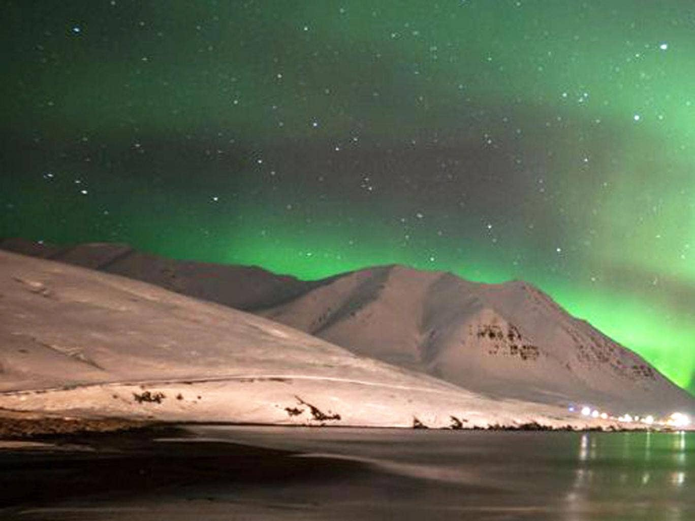 Christmas lights: Wow vouchers fly you to Iceland