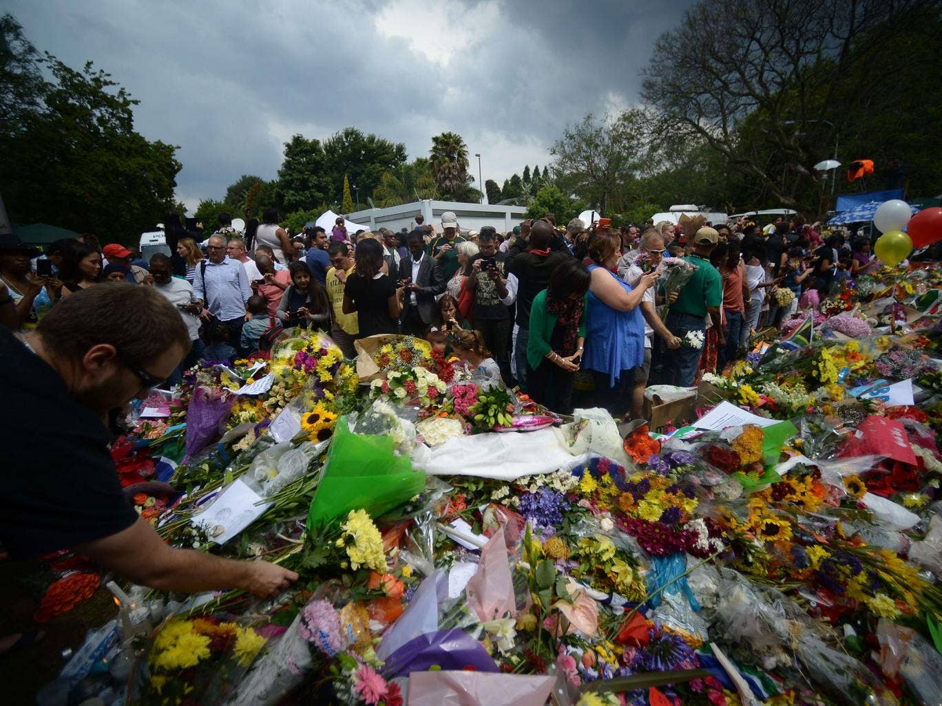 Tributes at Mandela's home in Houghton