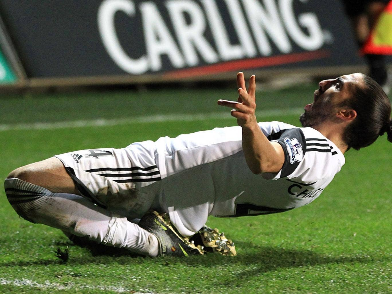 Chico celebrates after scoring his team's opening goal