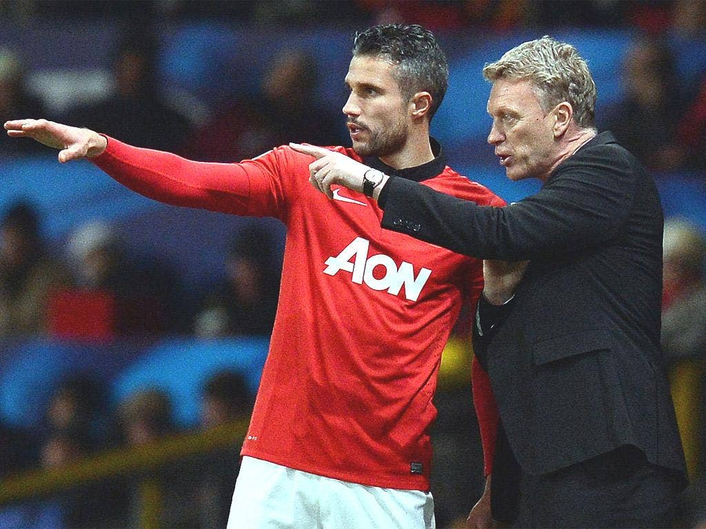David Moyes issues instructions to Robin van Persie