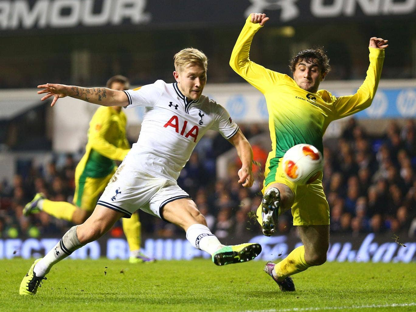 Lewis Holtby gets on the end of an Andros Townsend pass to score against Anzhi Makhachkala