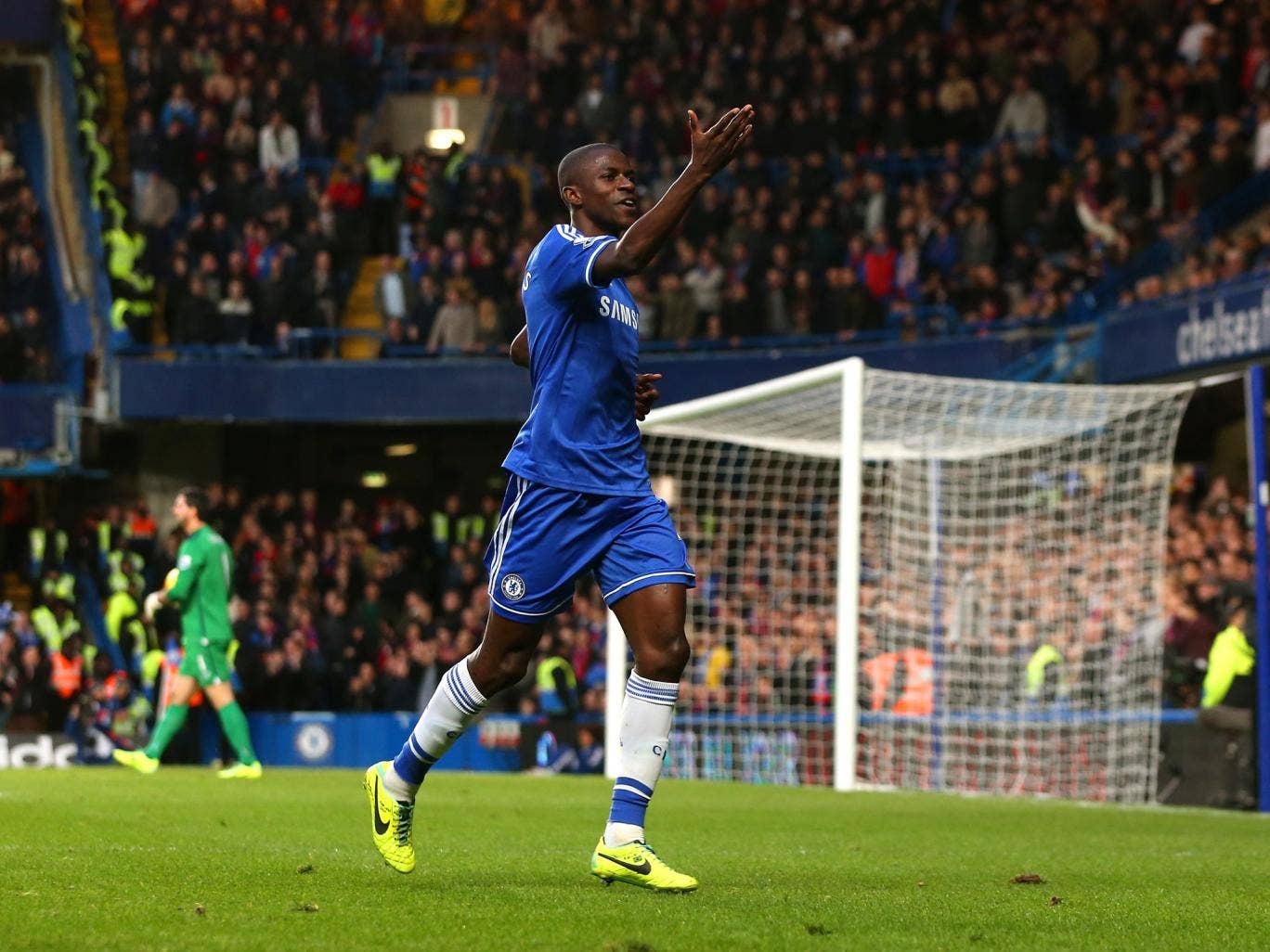 Chelsea midfielder Ramires celebrates scoring the iwnner against Crystal Palace