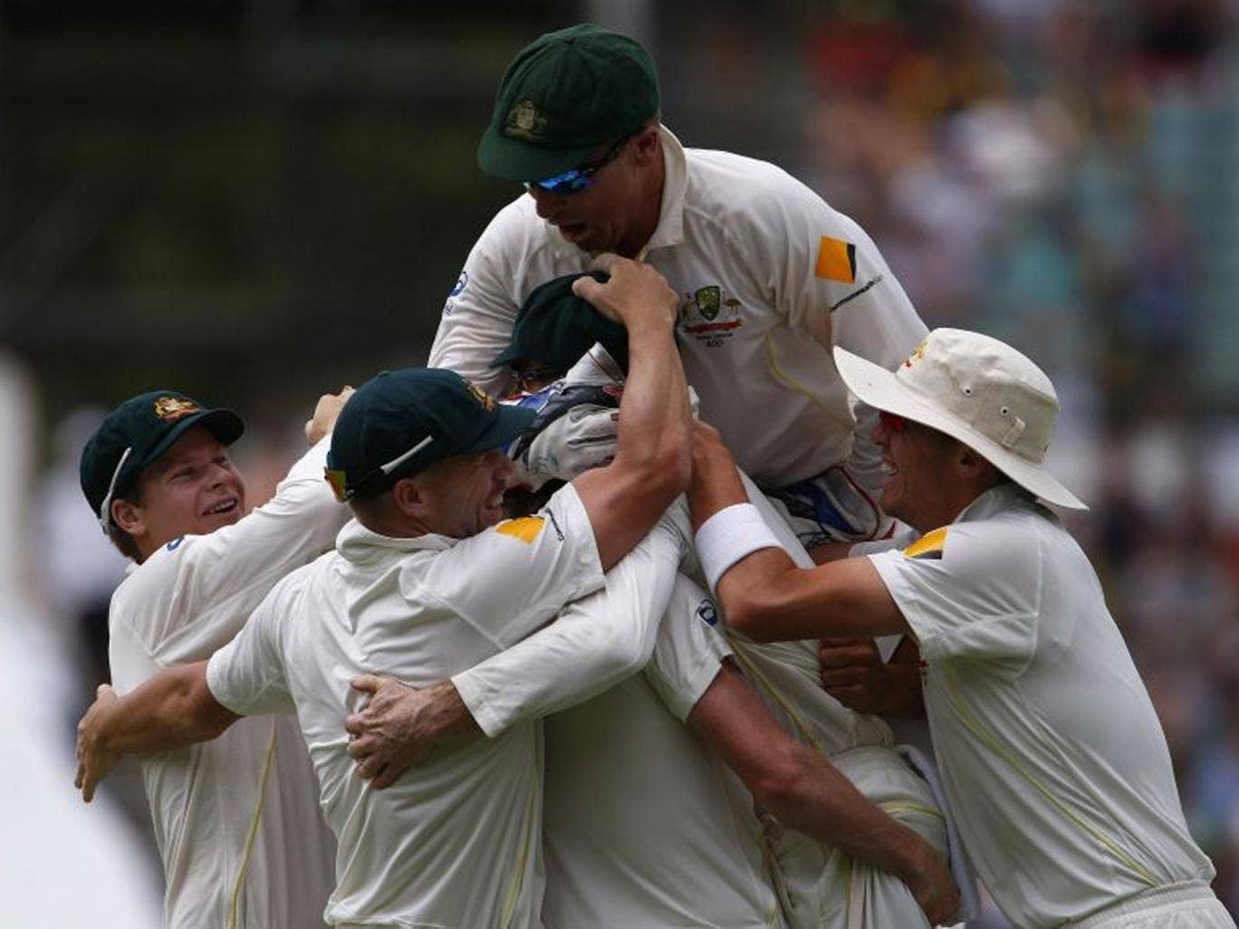 Australia celebrates after winning the third Ashes test