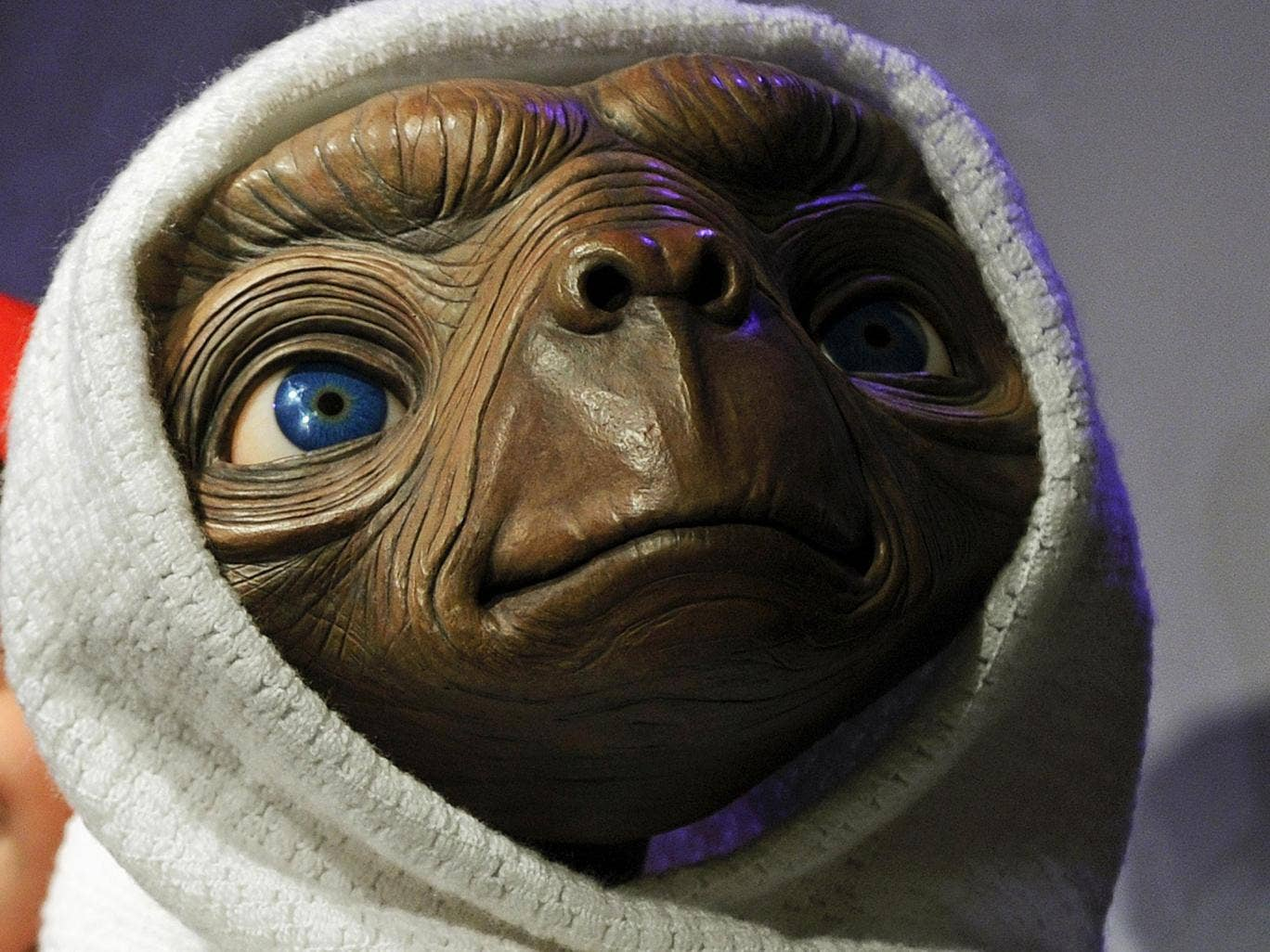 A new series will tell the story of Atari's reaction to the poor reception of the flop videogame E.T. the Extra-Terrestrial.