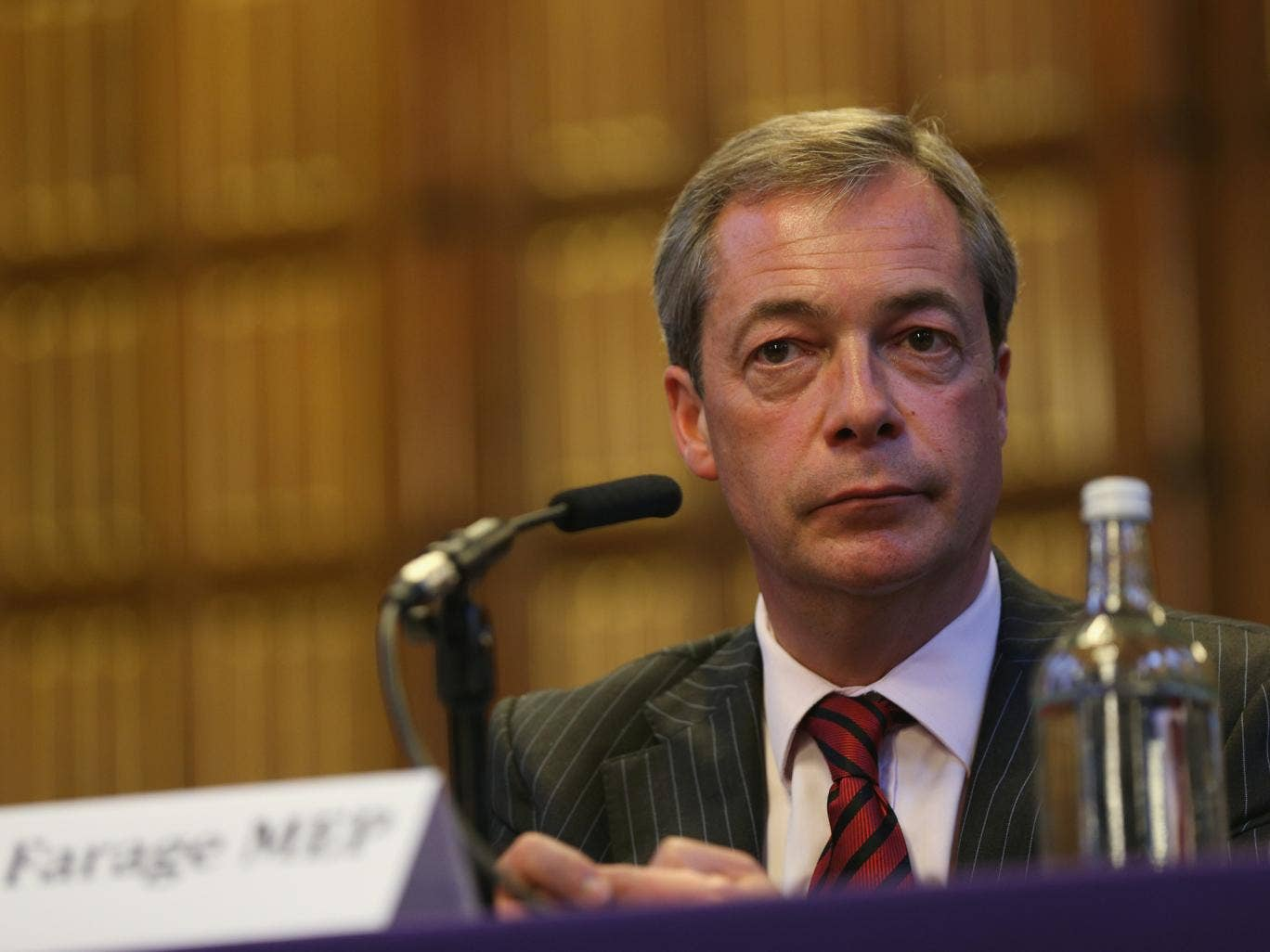 UKIP leader Nigel Farage has called on the Government to start allowing Syrian refugees into the country