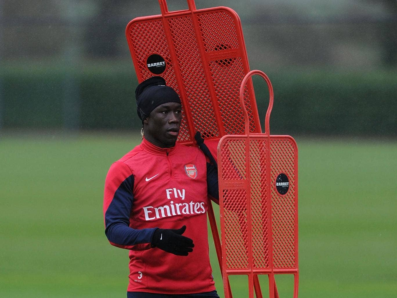 Bacary Sagna has yet to sign a new contract and his present Arsenal deal expires at the end of the season