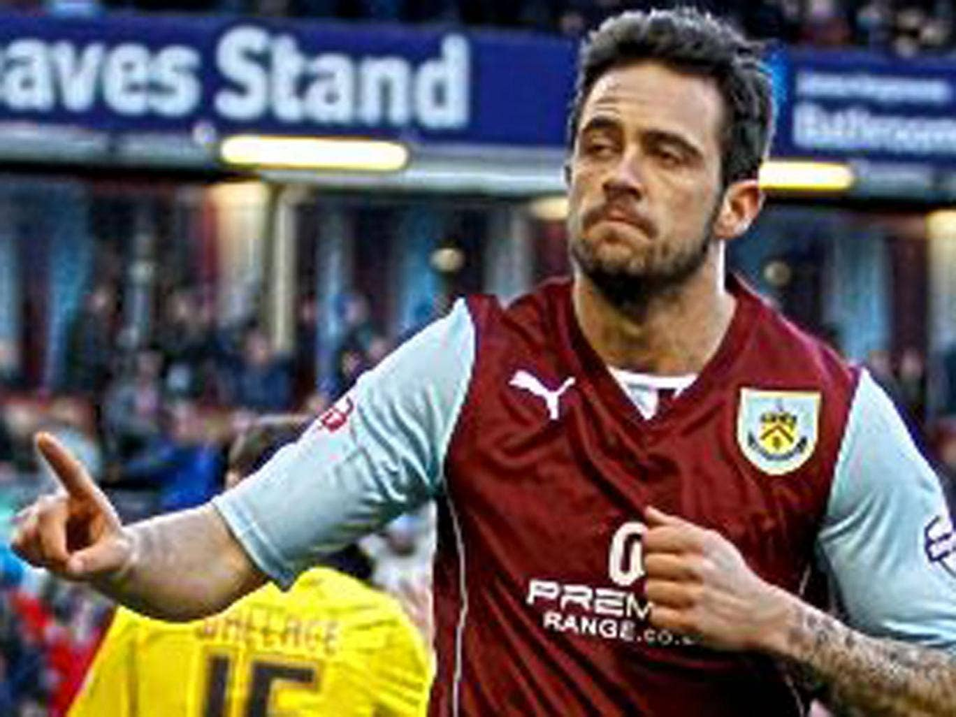 Two goals by Burnley's Danny Ings took his tally to 19