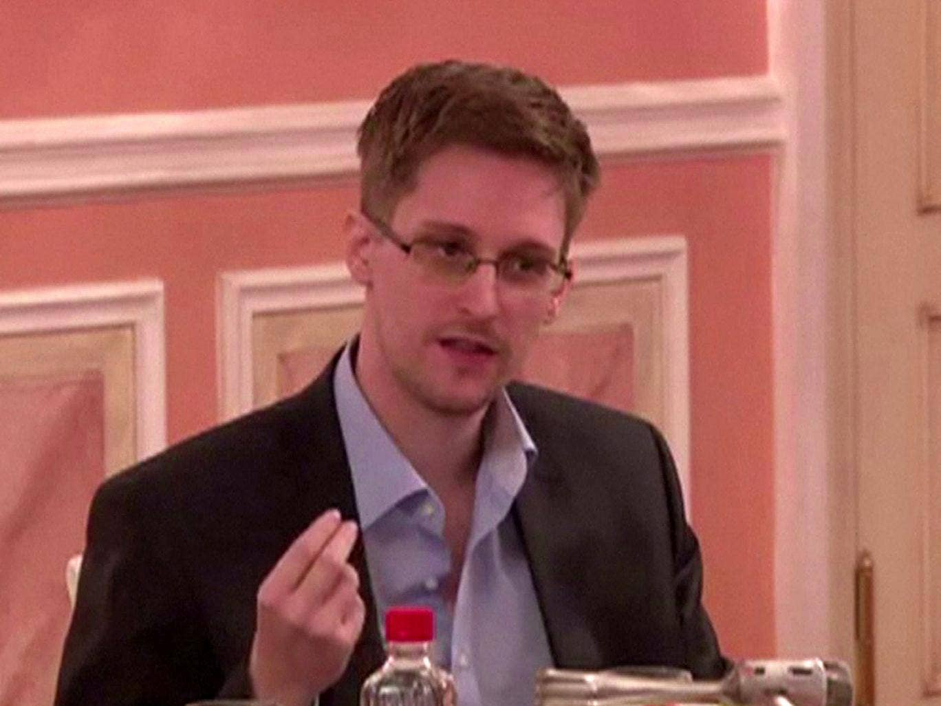 Edward Snowden speaking during his dinner with a group of four retired US ex-intelligence workers and activists at a luxurious room in an unidentified location.