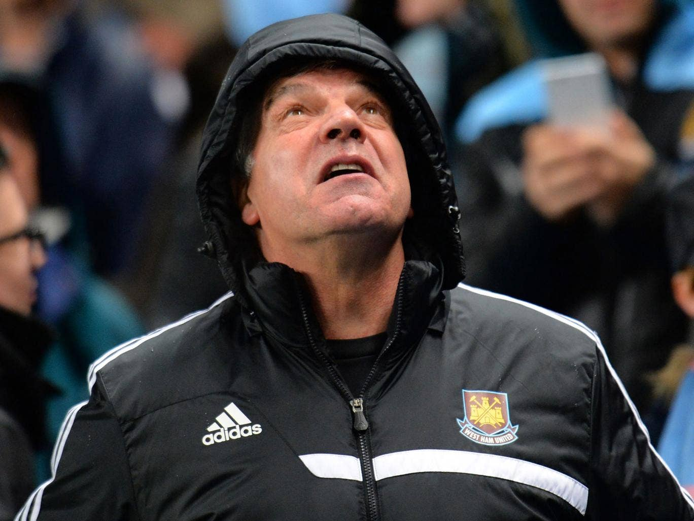 Sam Allardyce looks to the sky during West Ham's 6-0 defeat at Manchester City on Wednesday