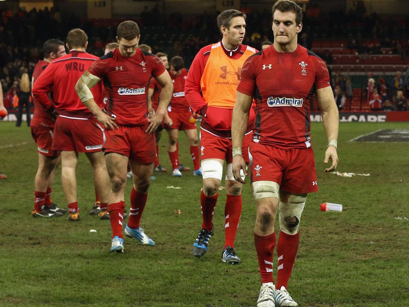 Wales captain Sam Warburton has been named in the squad for the Six Nations despite missing the last few weeks through injury