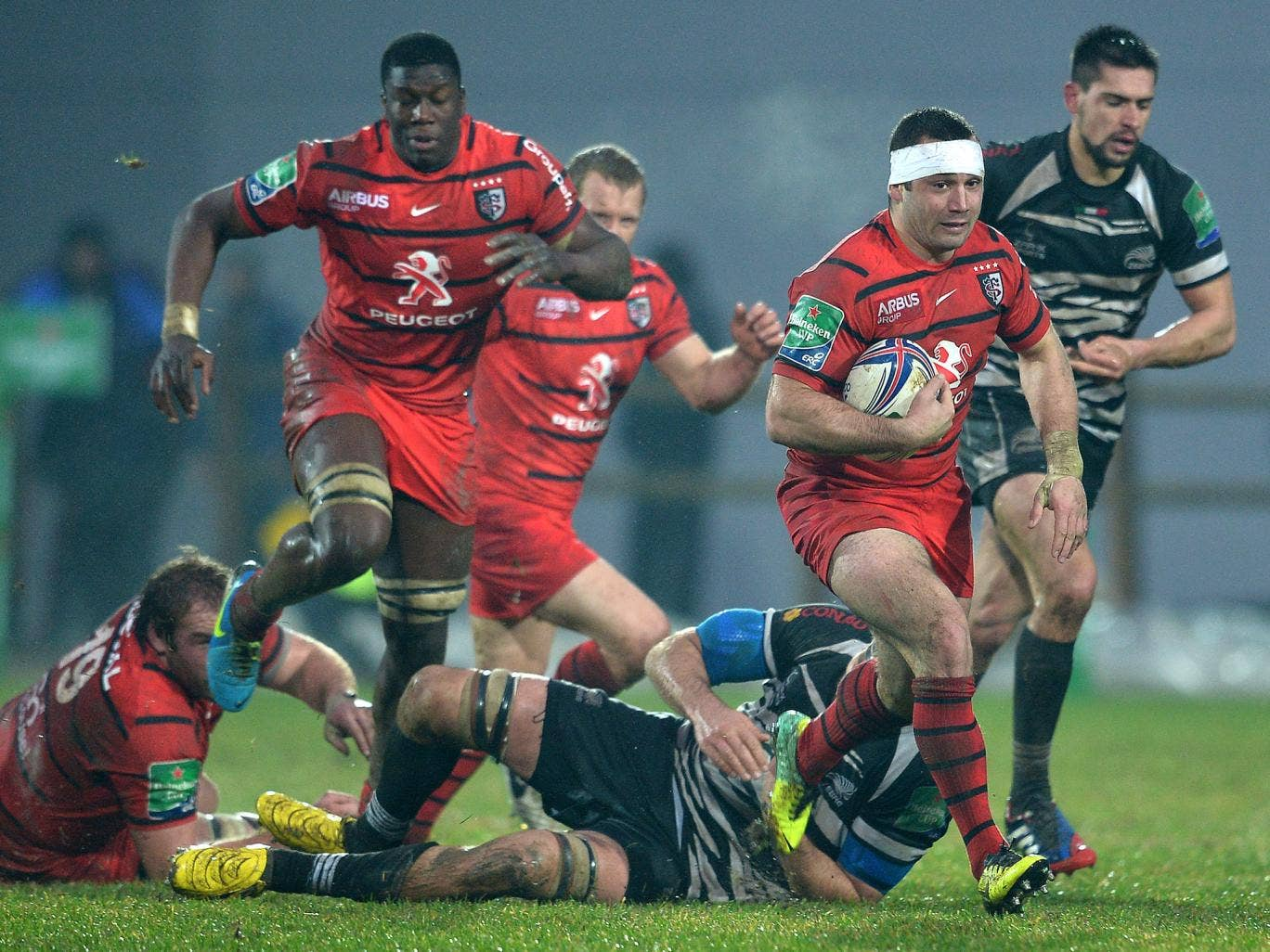 Toulouse beat Zebre 16-6 to move into the Heineken Cup quarter-finals