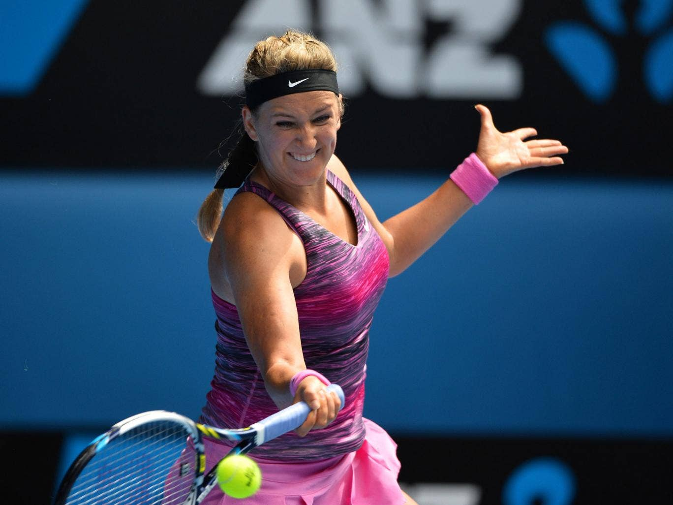 Victoria Azarenka breezed past Sloane Stephens in the Australian Open fourth round
