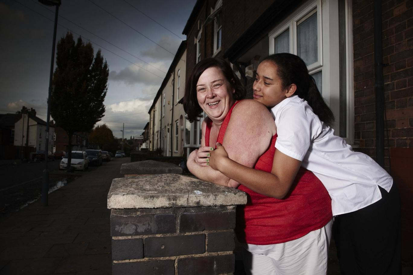 White Dee (left) and Caitlin from the first series of Benefits Street