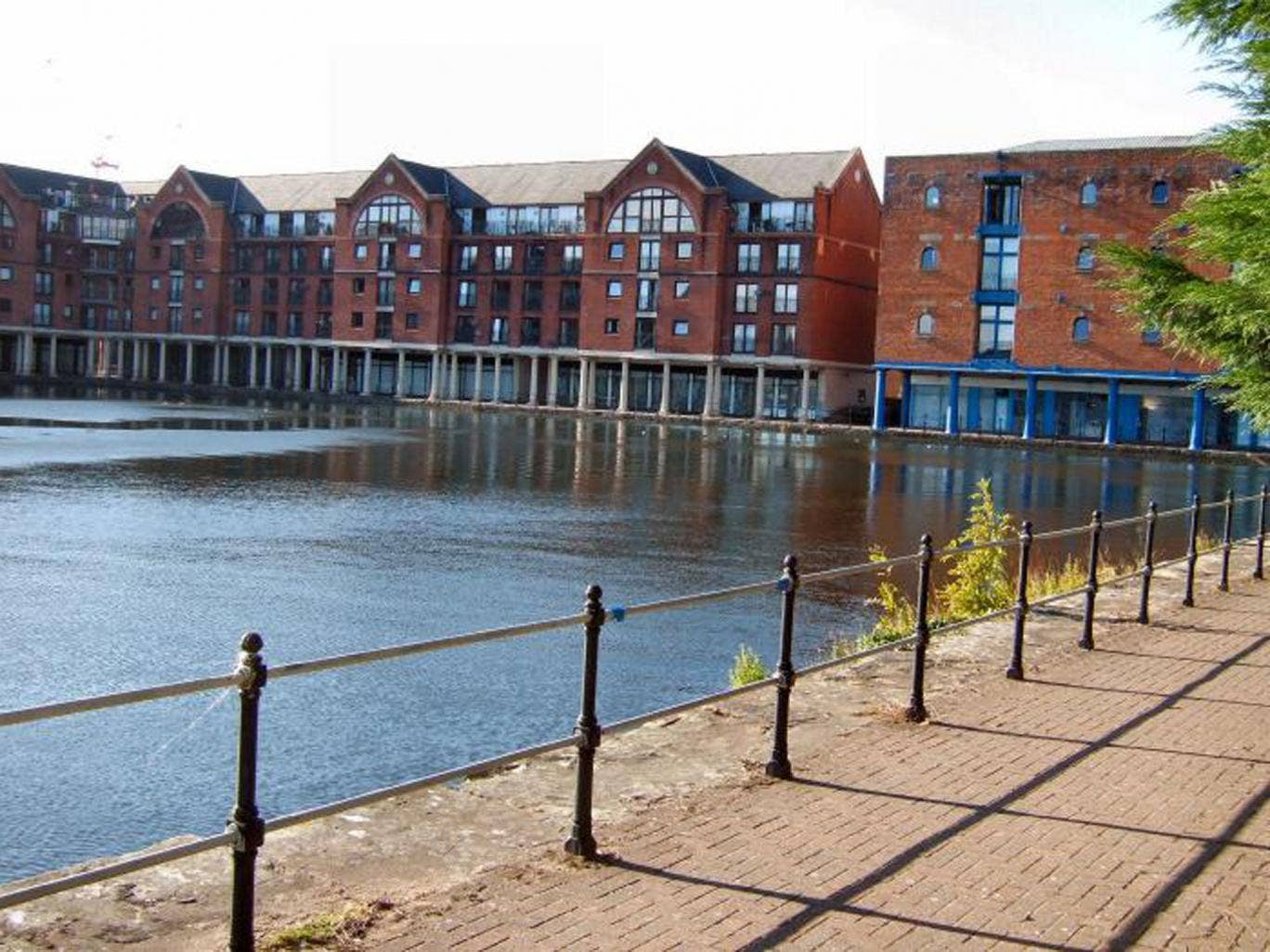 Two bedroom flat to rent at Beaufort Court, Atlantic Wharf, Cardiff CF10. On with Northwood UK at £650 pcm  (£150 pw)