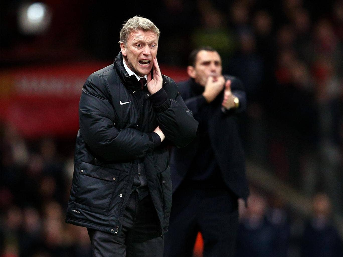 David Moyes and Gus Poyet urge their teams on as extra-time edges nearer