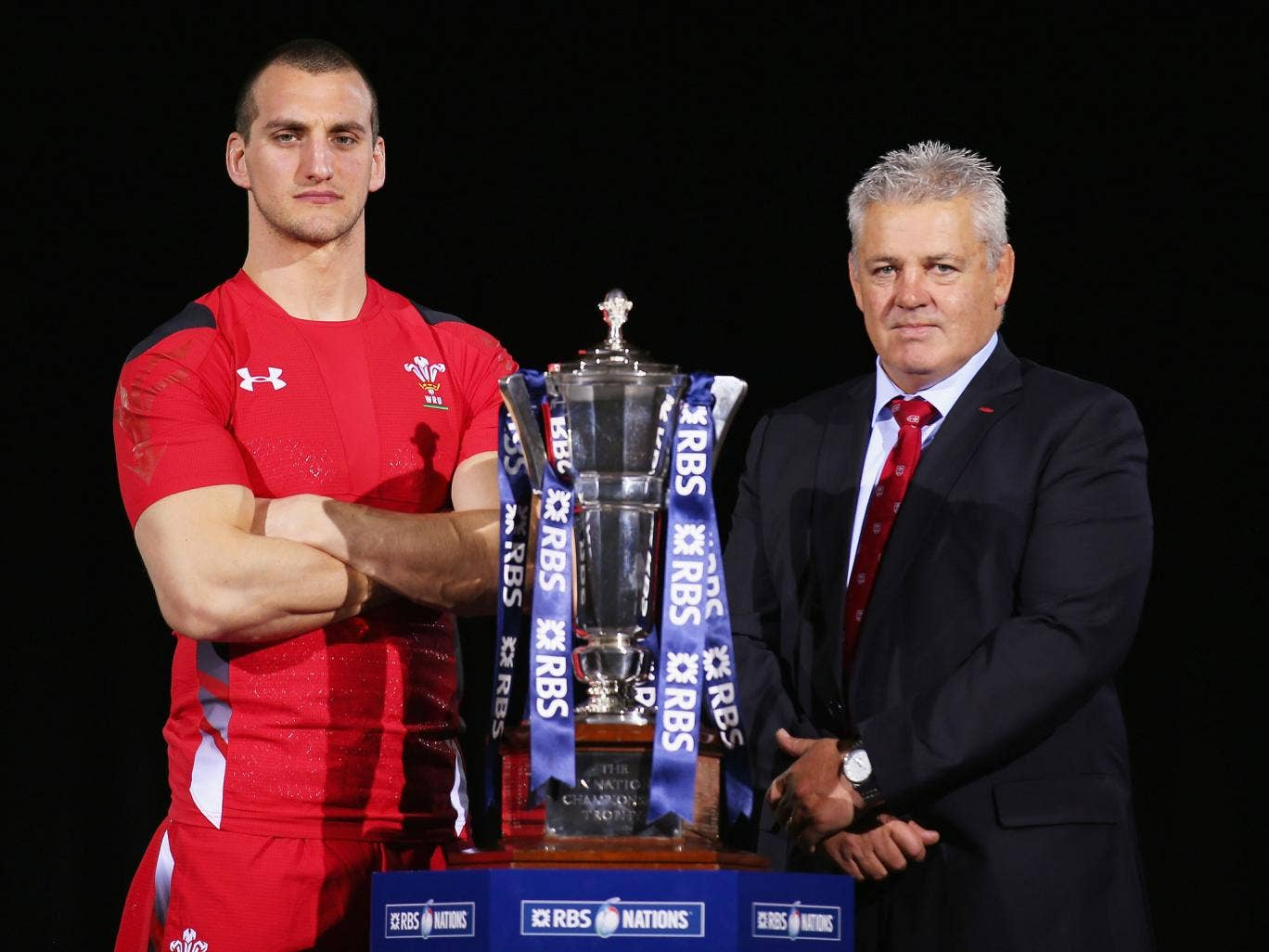 Sam Warburton and Warren Gatland pose with the Six Nations trophy