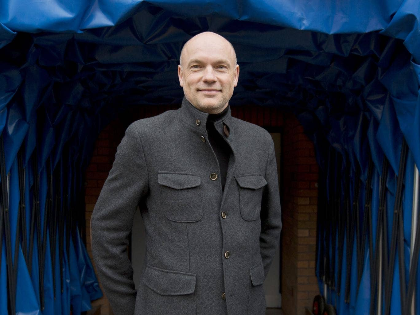 Uwe Rösler at the mouth of the Wigan tunnel