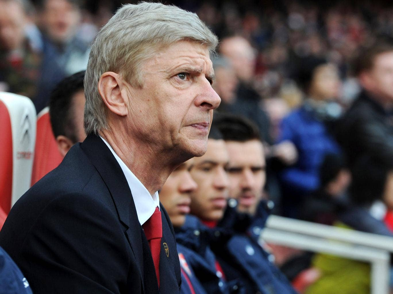 Arsene Wenger looks on from the Arsenal bench