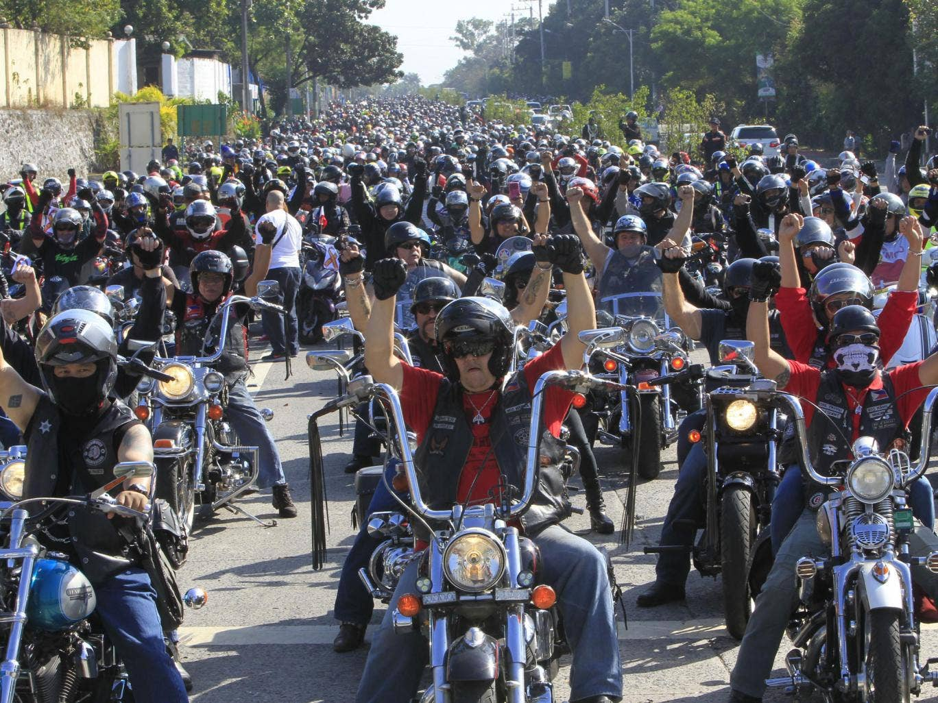 Over a thousand protesters drove gathered to show their dissatisfaction with Manila administrator's decisions