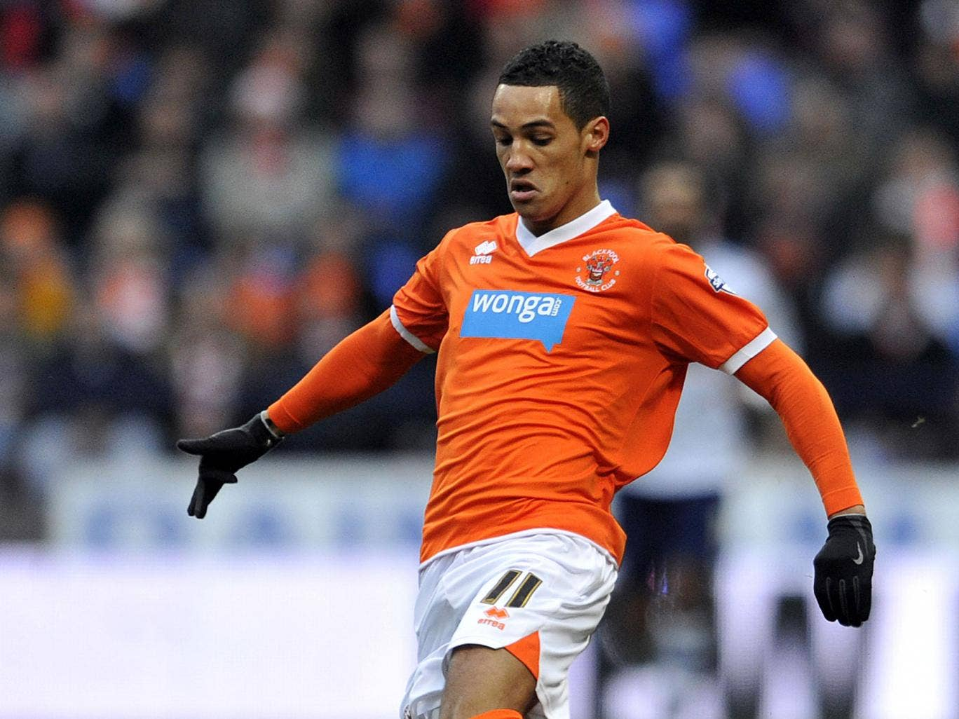Blackpool winger Tom Ince is due to have talks with Swansea City about a possible loan move