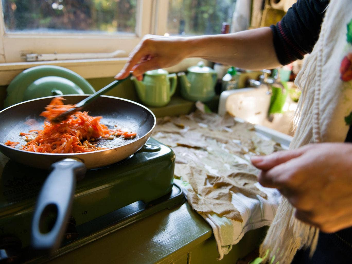 After the UK was declared one of the worst countries in Europe for citizens being able to afford to buy food, a woman in Wales has offered to cook free meals for families in need