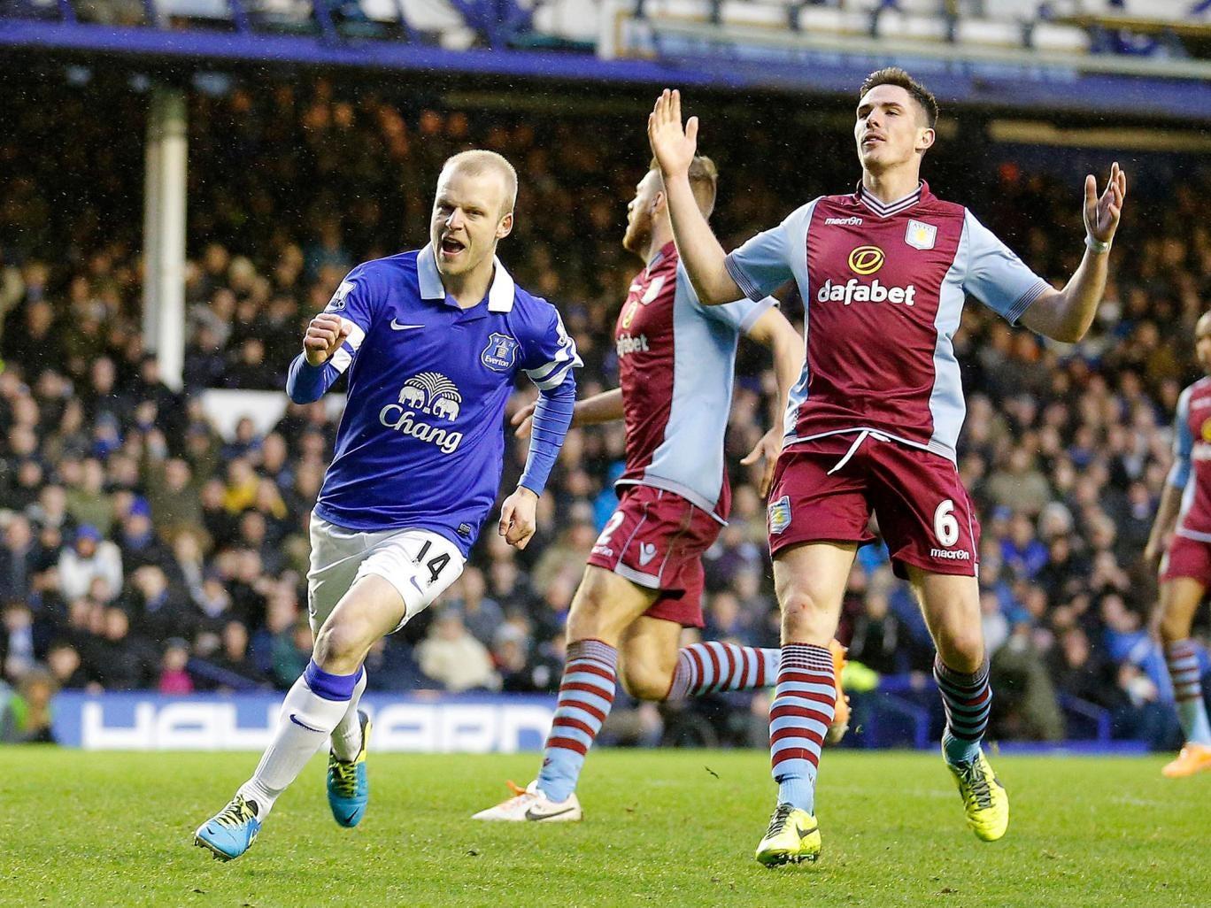 Steven Naismith scores for Everton against Aston Villa