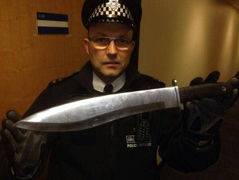 PC Osborne holds up the terrifying blade