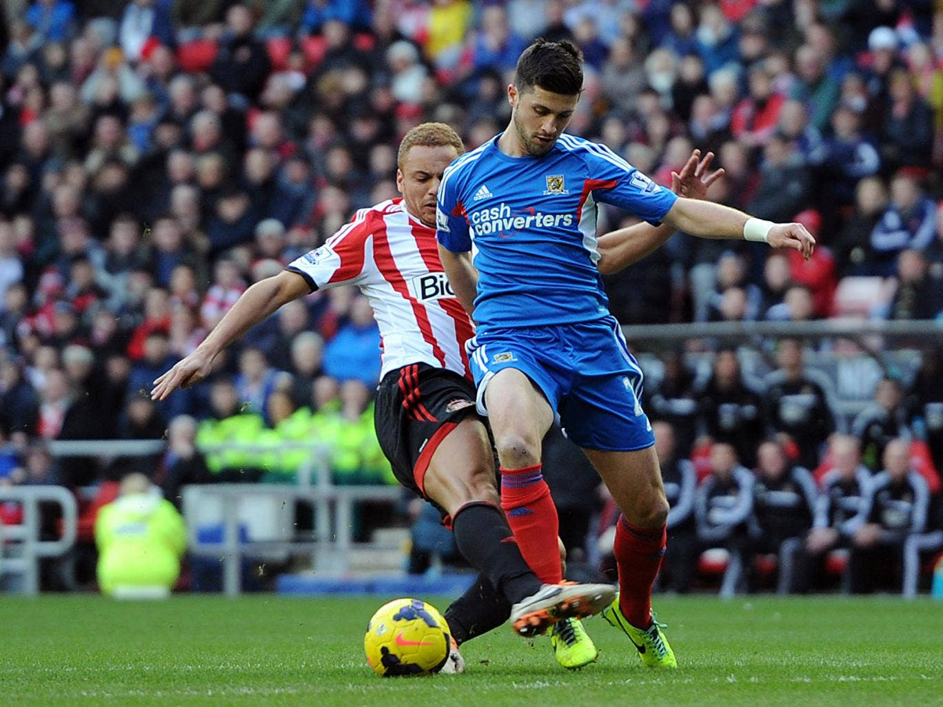 Shane Long scored his second goal in as many games for Hull in the 2-0 win over Sunderland