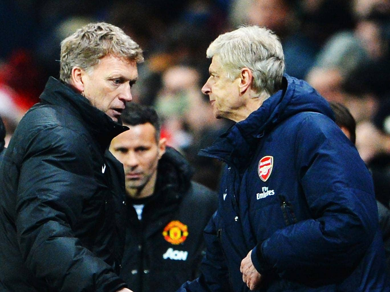 David Moyes and Arsene Wenger shake hands at the end of the match